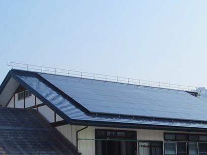 落雪システムと太陽光発電の併設